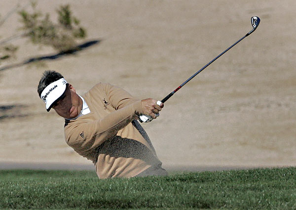 Kenny Perry shot 63 in the second round to move to seven under par.
