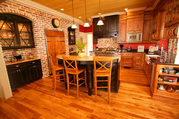 The gourmet kitchen has Viking appliances.