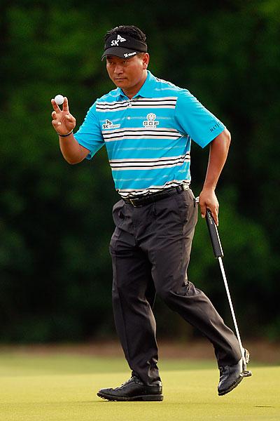 K.J. Choi shot a four-under 68.