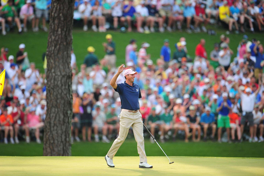 Matt Kuchar eagled the par-5 15th to briefly tie for the lead, but a bogey on 16 ended his chances.
