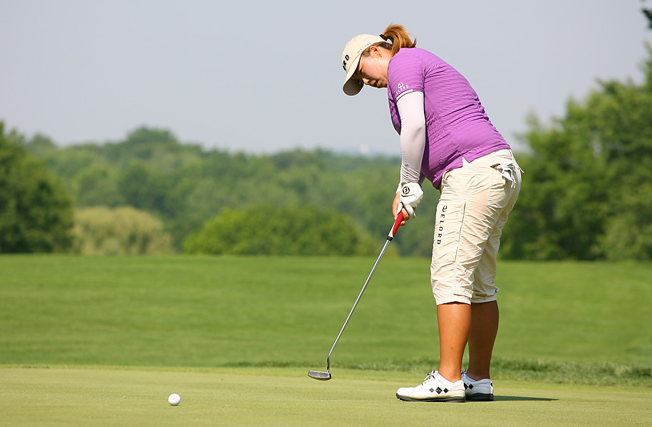 Shanshan Feng shot a 67 to become the first Chinese player to win a major title on any pro tour.