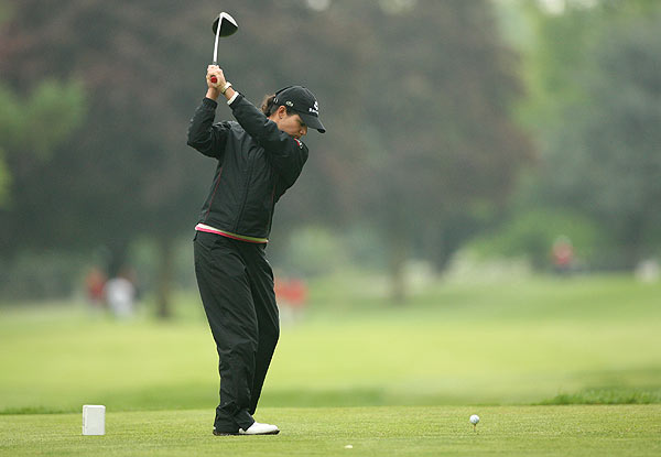Defending champion Lorena Ochoa made only two birdies in her one-under 71.