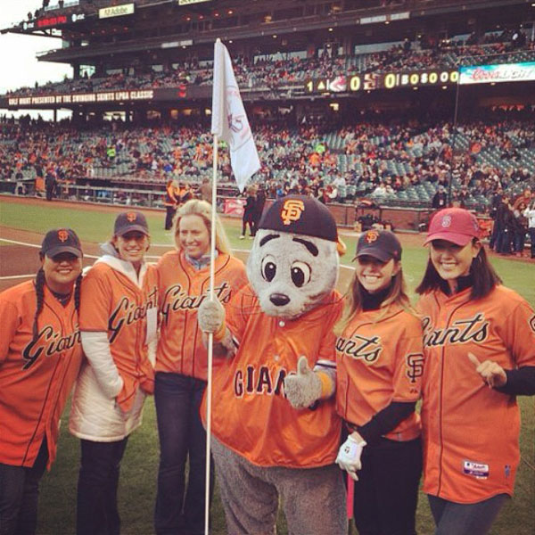 @themichellewie: Bayyyyyy areaaaa #sfgiants #firstpitch #latergram@thechristinakim @paulacreamer1