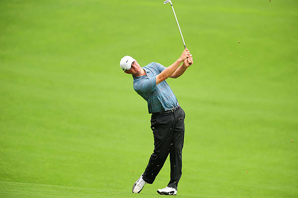 Lucas Glover held on to shoot an even-par 70 in the third round to stay one shot behind Barnes.