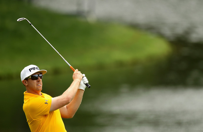 Hunter Mahan made the cut by one stroke.