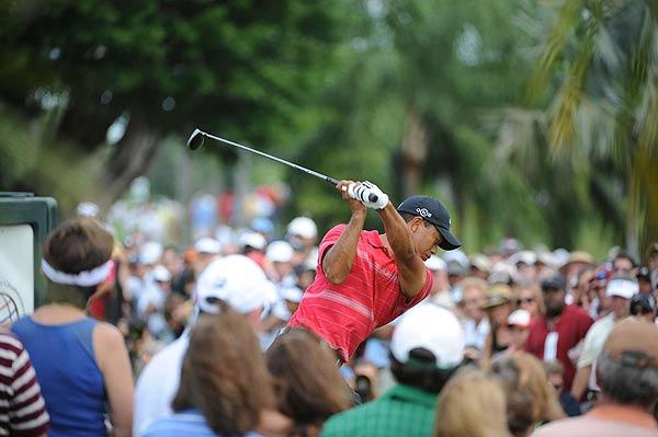 Tiger Woods went birdie-birdie-bogey-bogey on his first four holes of his final round.