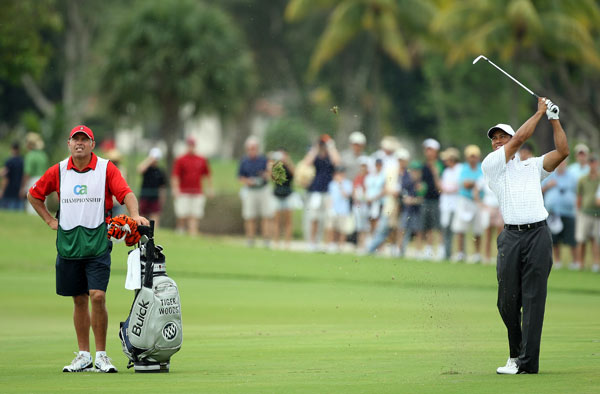 Tiger Woods got off to a poor start with a bogey on No. 2. He is T7 heading into the final round.