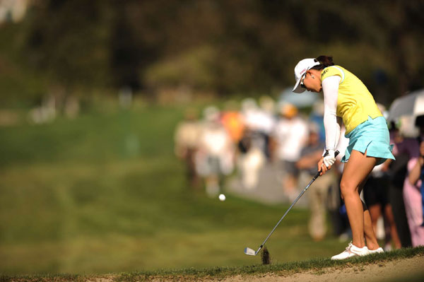shot a 2-under 70 to win her first LPGA title by six strokes.