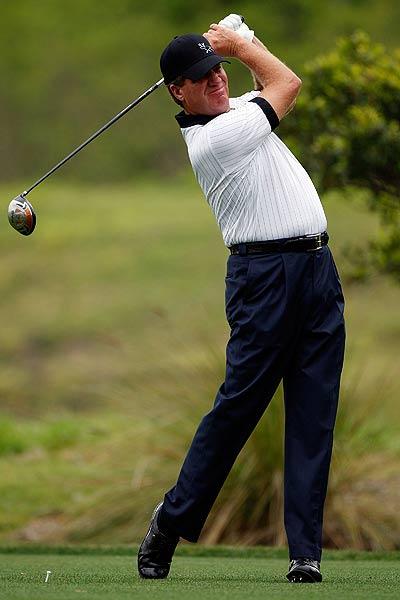 Steve Elkington's final-round 69 left him at eight under par.