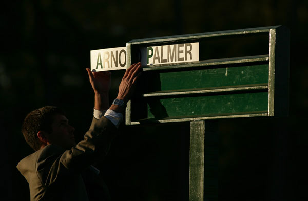 """""""It was Arnie's debut as honorary starter. He kept                             telling everyone, 'I'll do it when the time comes,' and                             finally the time came. It was a moment when we got to                             see Arnold Palmer's name at No. 1 on the board again.""""                                                          — Taku Miyamoto/Photolinks"""