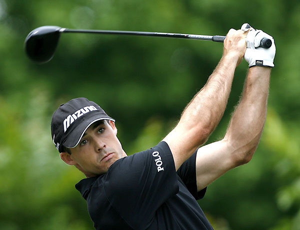 Jonathan Byrd shot a second-straight 66 to grab a three-shot lead heading into the weekend.