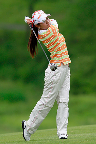 Ai Miyazato prevailed over Hee-Won Han, 3 and 2.