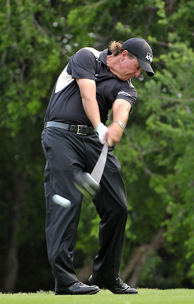 Mickelson made four birdies and two bogeys.