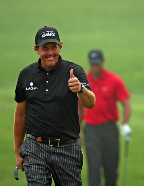 Two months later, Mickelson continued his good play against Woods by winning the 2009 HSBC Champions in China.