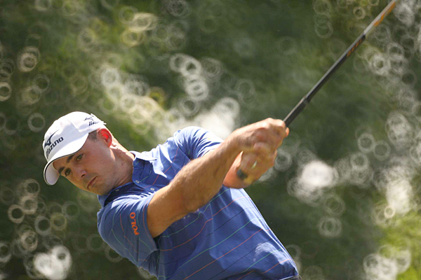Jonathan Byrd, Saturday made five birdies on the back nine to grab a one-shot lead heading into Sunday.