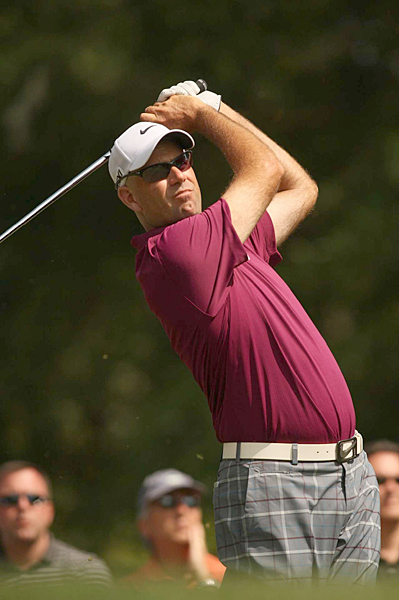 Stewart Cink birdied two of the last five holes to finish three shots off the lead.