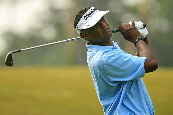 Vijay Singh shot 75 in a round that included two double bogeys.