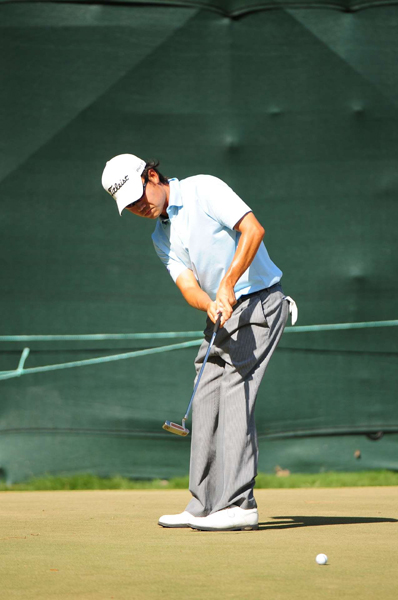 Kevin Na made five bogeys, four birdies, an eagle and a triple bogey for a 74.