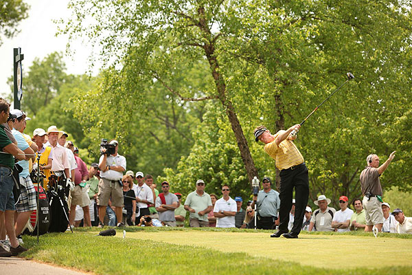 Allen's 74 was the worst opening round by a winner of the Senior PGA since Gary Player opened with a 74 in 1990.