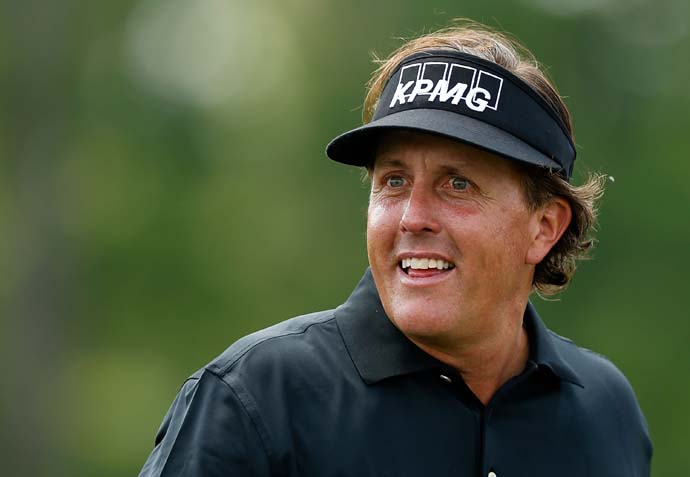 Phil Mickelson thrilled the Houston crowd on Sunday when he opened with four straight birdies, but he wasn't able to sustain his charge.