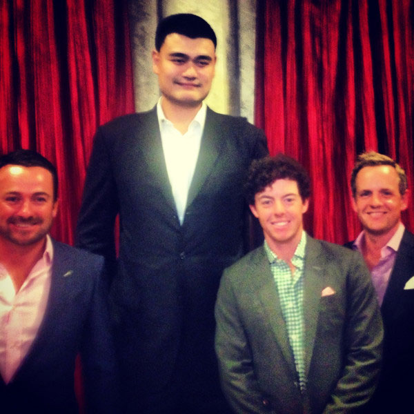 @LukeDonald:  I already know that I'm not that tall but seriously!!                           #YaoMing