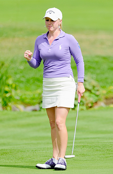 Pressel eagled the 18th hole to take the lead by two strokes.