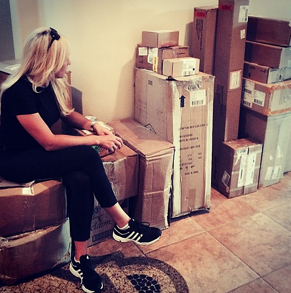 @natalie_gulbis:A month on the road and this is what I came home too... Christmas?? Lots of boxes!! Mostly@taylormadegolf new apparel and clothes!!! :)))) yeah!!!!