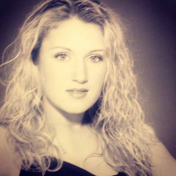 TBT. My first ever photo shoot with William Morris Agency. Now WME/IMG. I was 18 years old. Fun to look back at old photos...