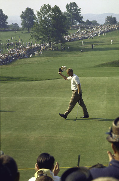 Nicklaus, playing the Open as a pro for the first time, won at Oakmont in 1962.