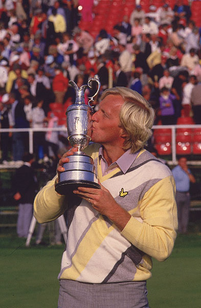 During the 1986 season, Norman led all four majors heading into the final round, but he won only one, the British Open at Turnberry. Norman's '86 season was a sign of things to come -- flashes of brilliance mixed with bizarre and heartbreaking losses.