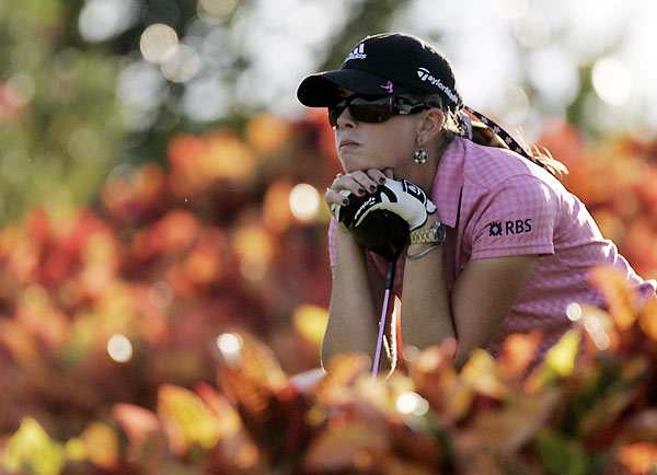 Paula Creamer birdied No. 18 to finish one behind the leaders.