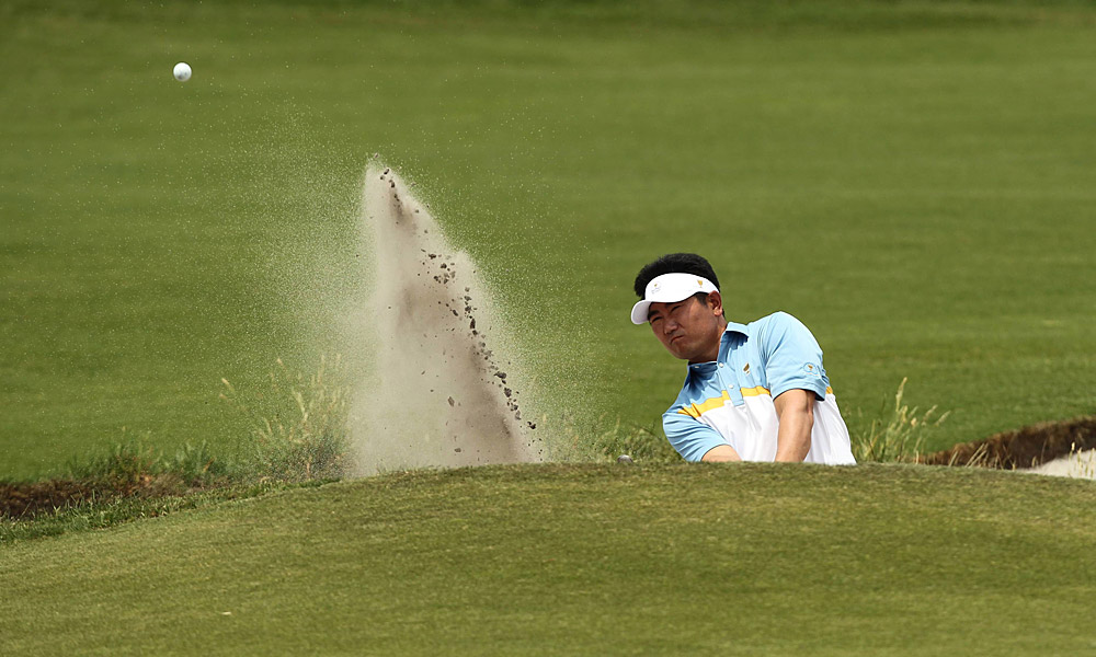 Y.E. Yang and partner Robert Allenby lost handily to the American team of Matt Kuchar and Steve Stricker.