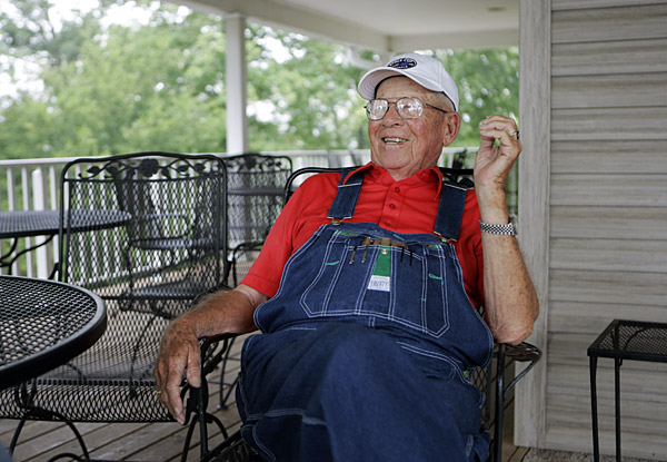 A Good Year For ...                           Denim                           Kentucky natives                           Kenny Perry and J.B.                           Holmes combine for five                           points in a stirring                           Team USA win in                           Louisville. Still,                           Kenny Perry Sr.                           and his endearing                           overalls steal                           the show.