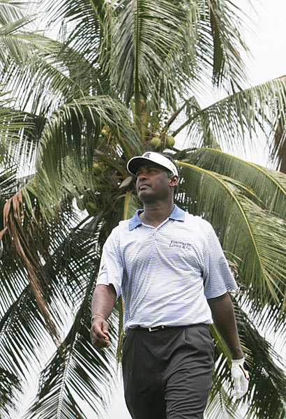 With rounds of 70-70-70, Vijay Singh stands at three under.
