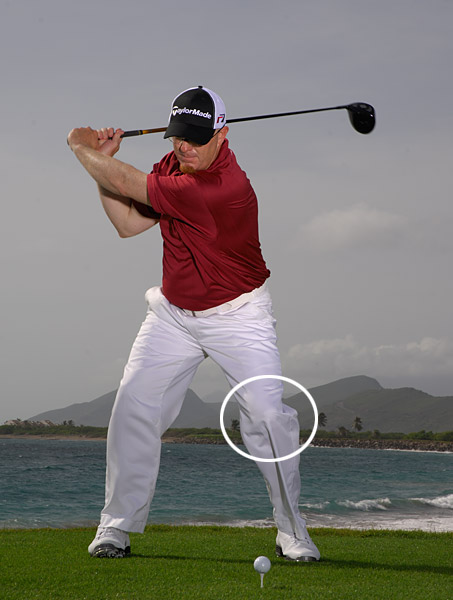 HOW TO HIT HOME RUNS INSTEAD OF SLICES                                                      Make easy swings with your driver. Once you're set at the top, turn all of your focus to your left knee. Feel like it's being pulled in a turning motion toward the target as you start your downswing (think of your arms and clubhead just hitching a ride).