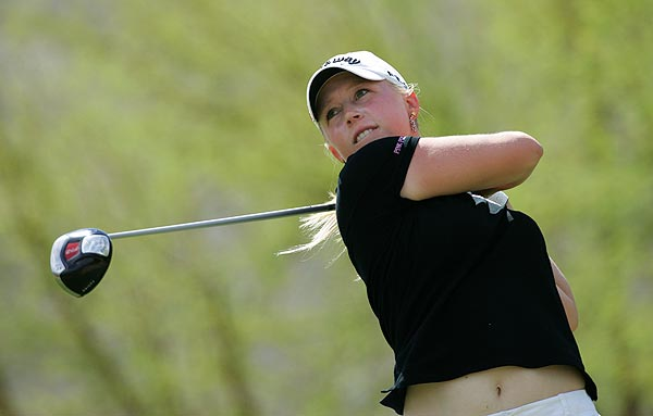 Morgan Pressel is one stroke off the lead after three straight birdies on Nos. 12-14.