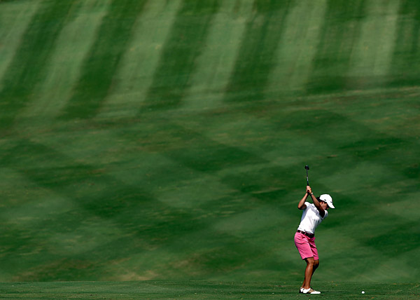 Second Round: The 2008 Kapalua LPGA Classic                       Lorena Ochoa moved into contention after a three-under 69.