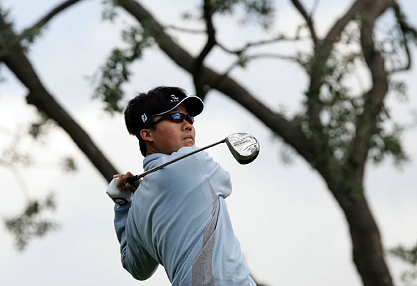 3.  Kevin Na, 24                        Stats: Na's family immigrated to the U.S. when he was 8, and he took up golf a year later. After quickly vaulting to the top of the national junior rankings, Na dropped out of high school after his junior year to turn pro. He started his career on the Asian tour in 2002, winning once and finishing fourth in earnings. He earned a Tour card at the 2003 Q-school and had a respectable rookie season, finishing 87th in earnings in '04. Last year, Na broke his right hand in a car door and missed most of the season, but he's recovered well and climbed to 116th on the money list this season.                       Skinny: With his health back and one of the Tour's best short games (2nd in scrambling, 2nd in putts per round, 4th in sand saves), Na should mature into a regular contender.