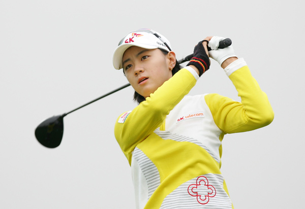 Na-Yeon Choi and Yani Tseng are tied for the lead.