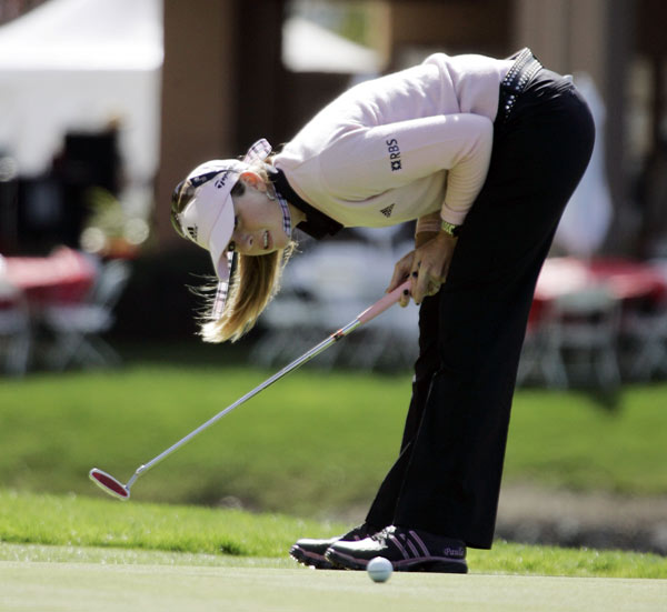 Paula Creamer birdied Nos. 5, 6, and 7 on her way to a two-under 70.
