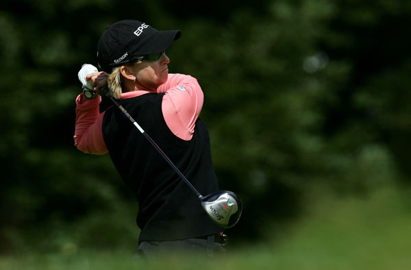 Longs Drugs Challenge: Round 2                                              Karrie Webb shot a three-under 69, and she is tied for the lead with Lorie Kane.