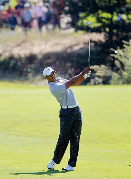 Woods quickly followed the bogey by tallying three birdies in a row to move to one under.
