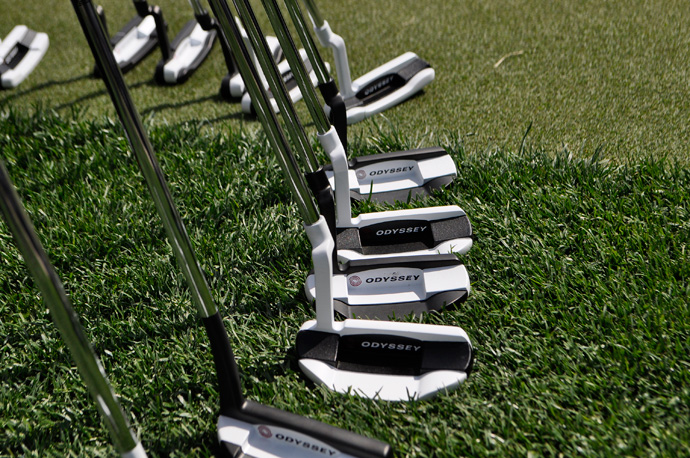 Odyssey Versa putters sure stand out from the pack due to their black-white-black or white-black-white color scheme.
