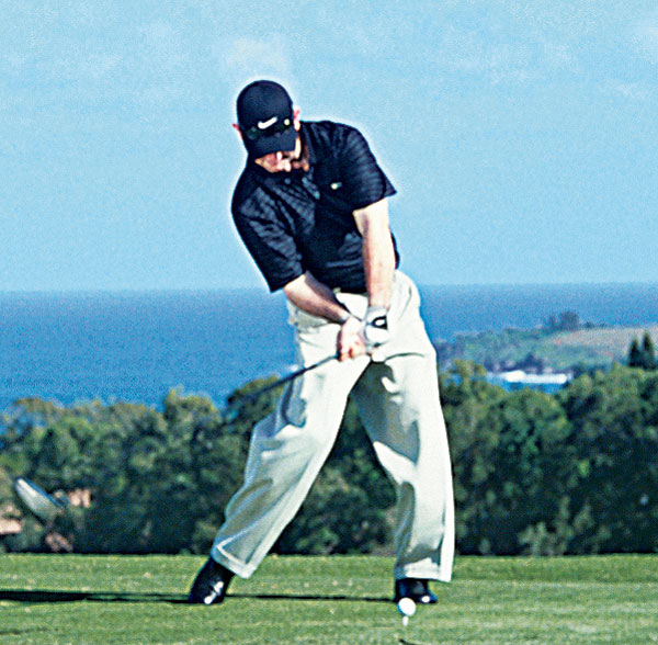 DOWNSWING O-FACTOR                           RORY SABBATINI                           Driving Avg: 290.4 yds                           How does a 165-pound golfer produce such gaudy numbers off the tee? By using expert application of O-Factor power. Into impact, Sabbatini drives hard with his right knee and hip and pushes off with his right foot. The moves combine to create a noticeable kink in his right side and a very steep hip angle.