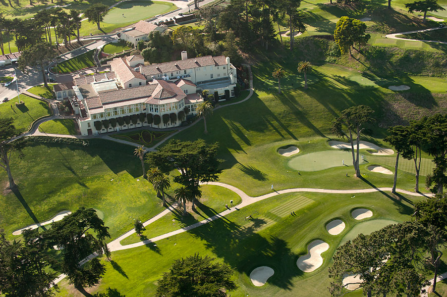 Famed architect Arthur Brown, designer of the San Francisco City Hall, designed the Lakeside clubhouse, which officially opened in 1925.