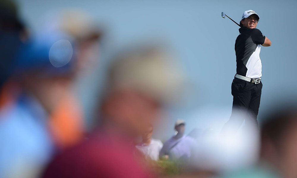 McIlroy breezed through the third round, carding seven birdies for a five-under 67.