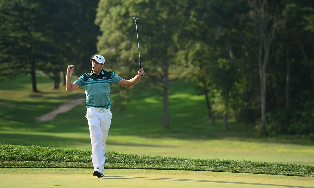 Watney shot a final-round score of 69 to win the 2012 Barclays.