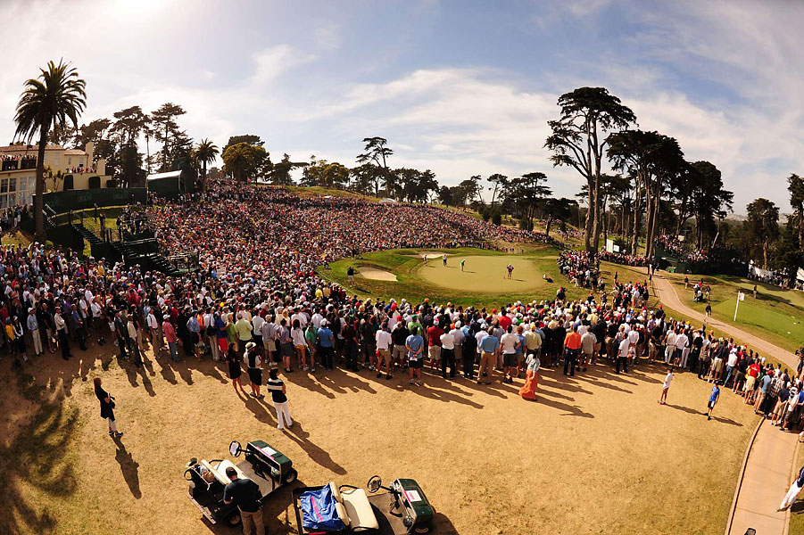 Large crowds followed Woods and Furyk on Saturday.