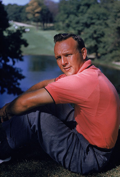 Arnold PalmerCareer Earnings: $1,861,857 Why does Arnold Palmer look so forlorn in this photo? He is fifth on the all-time wins list, but couldn't break $2 million in career earnings.