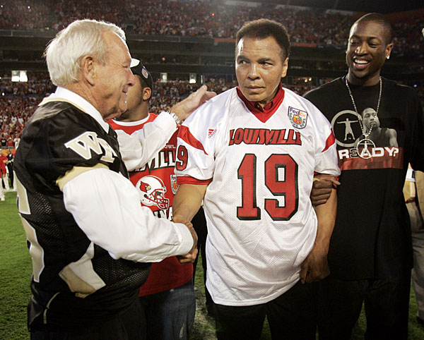 Arnold Palmer joined Muhammad Ali and Dwyane Wade at the 2007 Orange Bowl.